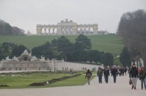 3日ほど休みを取ってウイーンの美術館や宮殿を見て歩きました。あまりの美しさに感動しました。